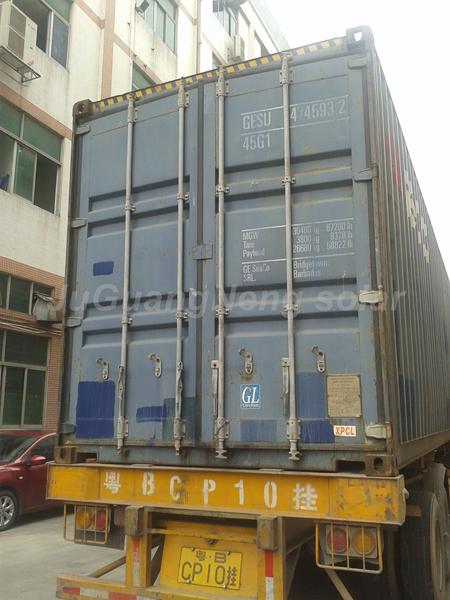 太阳能板装柜