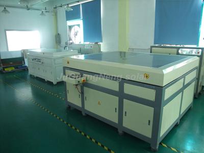 太阳能板层压机(中)